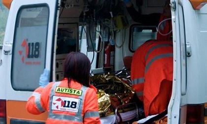 Cade dal carro di Carnevale, 25enne all'Ospedale