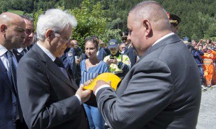 Sicurezza: Anmil consegna un caschetto giallo a Matterella