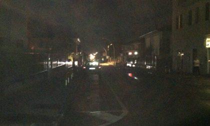 La burocrazia lascia al buio via Damiani