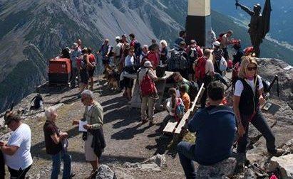 Alpini di tutta l'Alta Valle alla Croce del Monte Scale