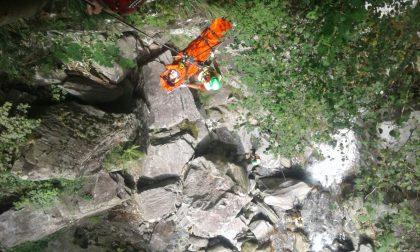 Ragazza di 13 anni pratica canyoning e si ferisce