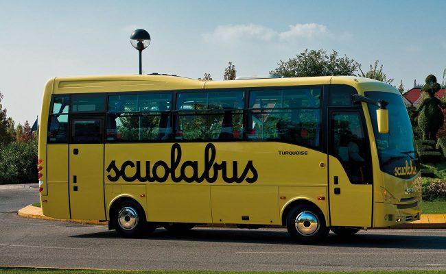 Scuolabus senza cinture, società di trasporto nei guai