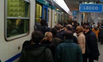 Rapine sui treni  della Milano-Lecco denunciati  quattro ragazzi