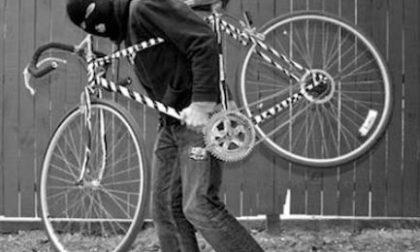 Vendeva bici rubate in cambio di droga, preso 37enne