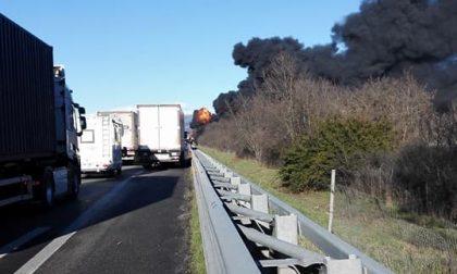 Autostrada Torino Piacenza esplode cisterna muore intera famiglia