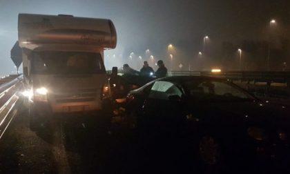 Incidente sulla Statale 36, oltre 10 i feriti e i veicoli distrutti VIDEO