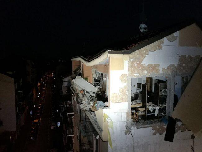 Fuga di gas, esplode palazzo a Sesto: sei feriti FOTO