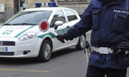 Scappa dopo l'incidente, svizzero beccato dalla polizia