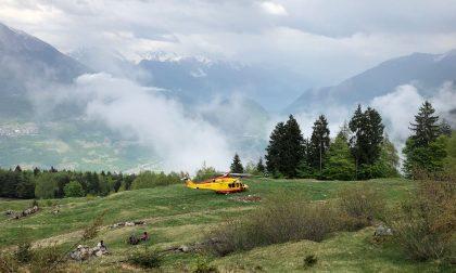 Due anziani colti da malore sui monti, elisoccorso in azione