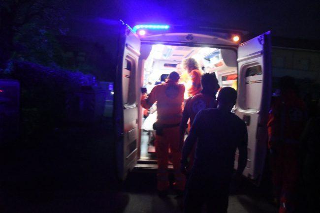 Auto ribaltata a Sondalo, 37enne in ospedale SIRENE DI NOTTE
