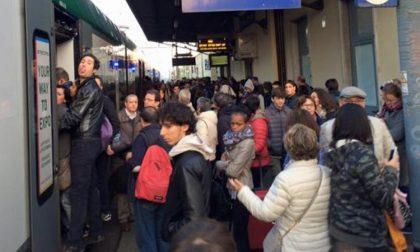 """Duro affondo della Regione: """"La Lombardia è la discarica dei treni vecchi di Trenitalia"""""""