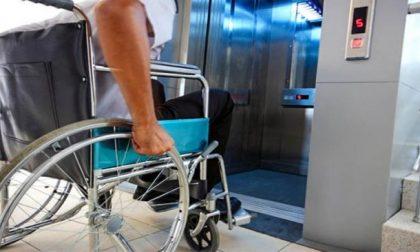 Anziano decapitato in casa da ascensore per disabili