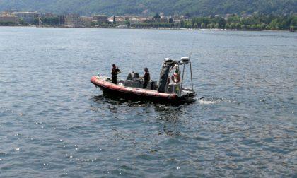 Ripescato un corpo senza vita dal lago
