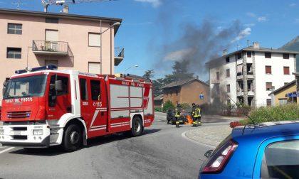 Auto prende fuoco sulla Statale 38
