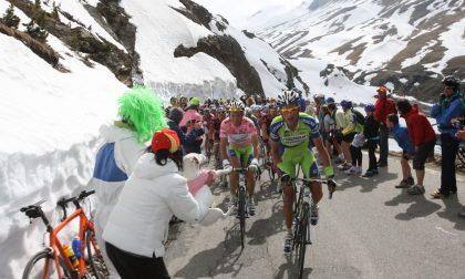 Giro d'Italia, domani l'arrivo al Cancano: lo Stelvio si farà