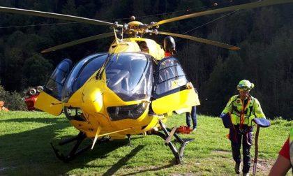 Si sente male sull'Alta via della Valmalenco, alpinista soccorso