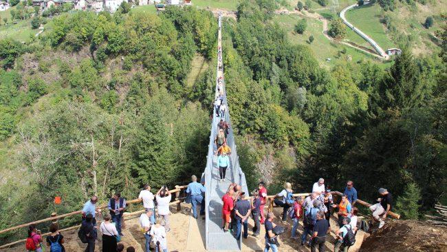 Inaugurazione col botto per il Ponte nel Cielo in Val Tartano