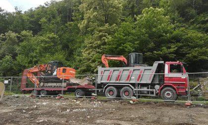 Ladri fanno sparire camion, rimorchio e trattore
