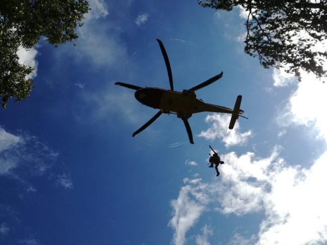 Cacciatore in difficoltà recuperato dall&#8217&#x3B;elisoccorso