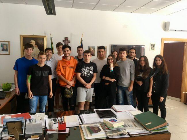 Il dirigente dell'Ufficio Scolastico incontra gli studenti