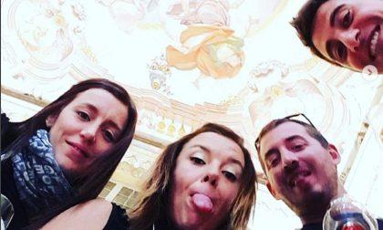 Selfie con il calice, Morbegno in Cantina piace sui social FOTO