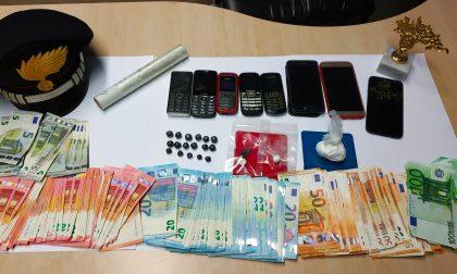 Scappa con la droga saltando dalla finestra: arrestato richiedente asilo