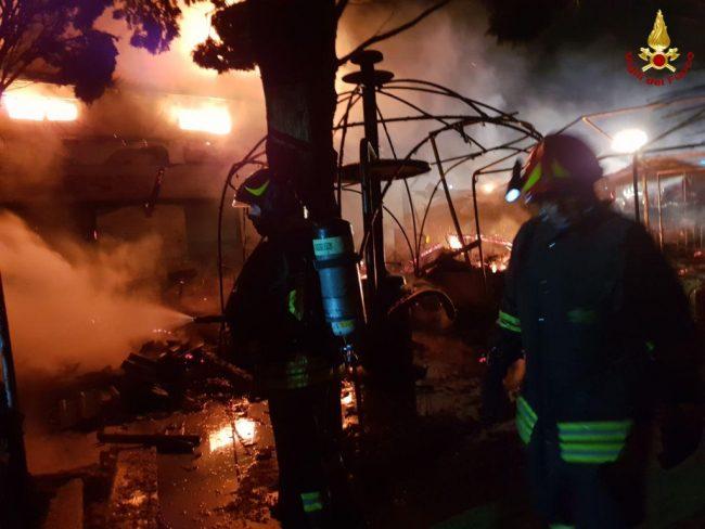 Ristorante &#8220&#x3B;La Puntina&#8221&#x3B; distrutto dalle fiamme FOTO