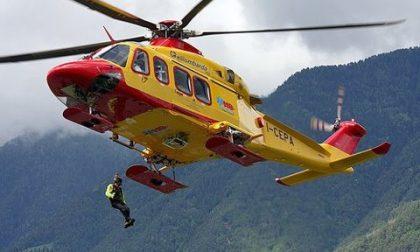 Incidente sulle piste da sci, bambino di 9 anni all'ospedale
