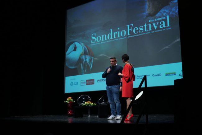 Toni Capuozzo affascina il pubblico del sondrio festival