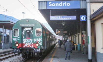 Sul treno senza biglietto fornisce generalià false, denunciato