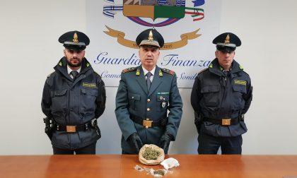 Marijuana e hashish in casa, grossi guai per 22enne di Chiavenna