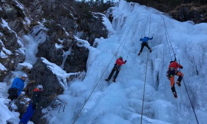 Il Soccorso Alpino in esercitazione su cascate di ghiaccio