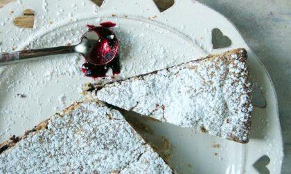Giornata mondiale della torta: crostata di grano saraceno ai mirtilli