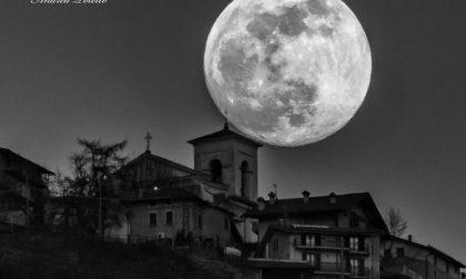 La super Luna dà spettacolo nei cieli della Valtellina FOTO