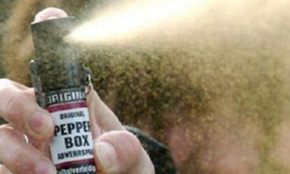 Spray al peperoncino: torna l'incubo in Lombardia, 9 intossicati a scuola