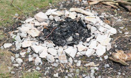 Fanno barbecue e distruggono un bosco: 13 milioni di euro la sanzione per i due studenti