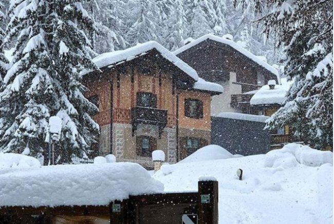 Risultati immagini per neve valtellina maggio
