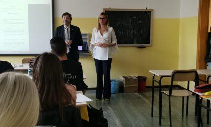 LaVicepresidente della Commissione Sanità di RegioneLombardia incontra gli studenti