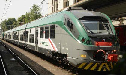 Donna scende dal treno e il figlio di 3 anni rimane solo a bordo