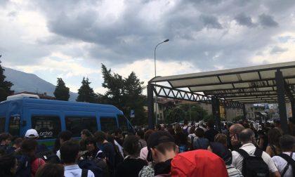Scuola, trasporto ok ma preoccupano gli assembramenti alle autostazioni di Sondrio e Morbegno