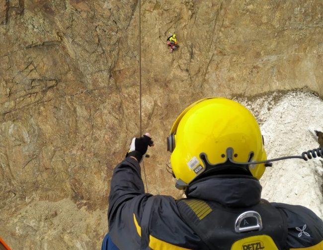 Sbagliano strada e restano bloccati, salvati due alpinisti in Valfurva