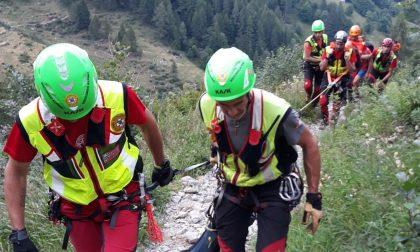 Escursionista cade e sbatte la testa, interviene il Soccorso Alpino