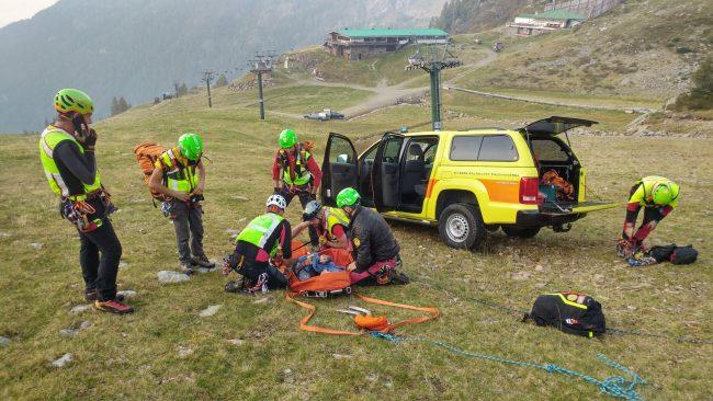 Ferita in montagna, il video incredibile del salvataggio