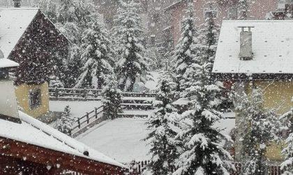 La neve fa capolino in Valtellina