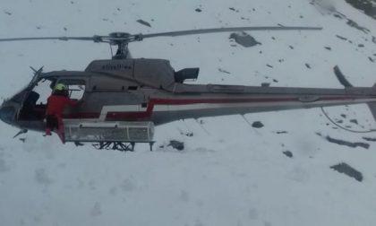 Neve al Rifugio, escursionisti rientrano in elicottero