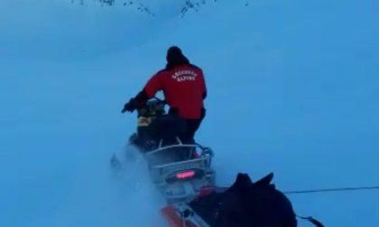 Scialpinista in difficoltà, interviene il Soccorso Alpino e l'elicottero