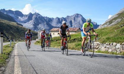 Enjoy Stelvio National Park: una tre giorni di scalate sulle strade del Giro senza le auto