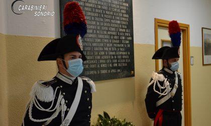 Corona di fiori in ricordo del Tenente Colonnello Edoardo Alessi