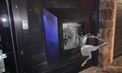 Bancomat della Popolare di Sondrio fatto esplodere ma il colpo finisce male