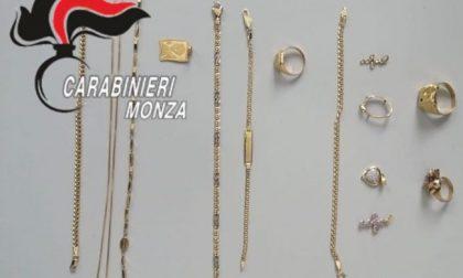 Furto di gioielli: nonna denuncia ai carabinieri la nipote